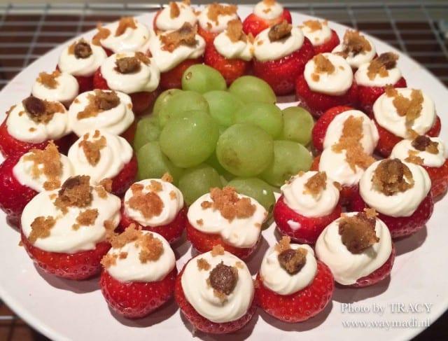 aardbeien met cheesecake topping-5