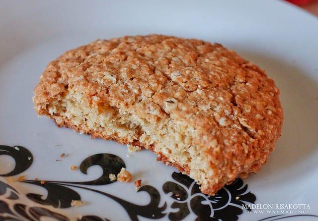 Sunny Oatmeal Cookies