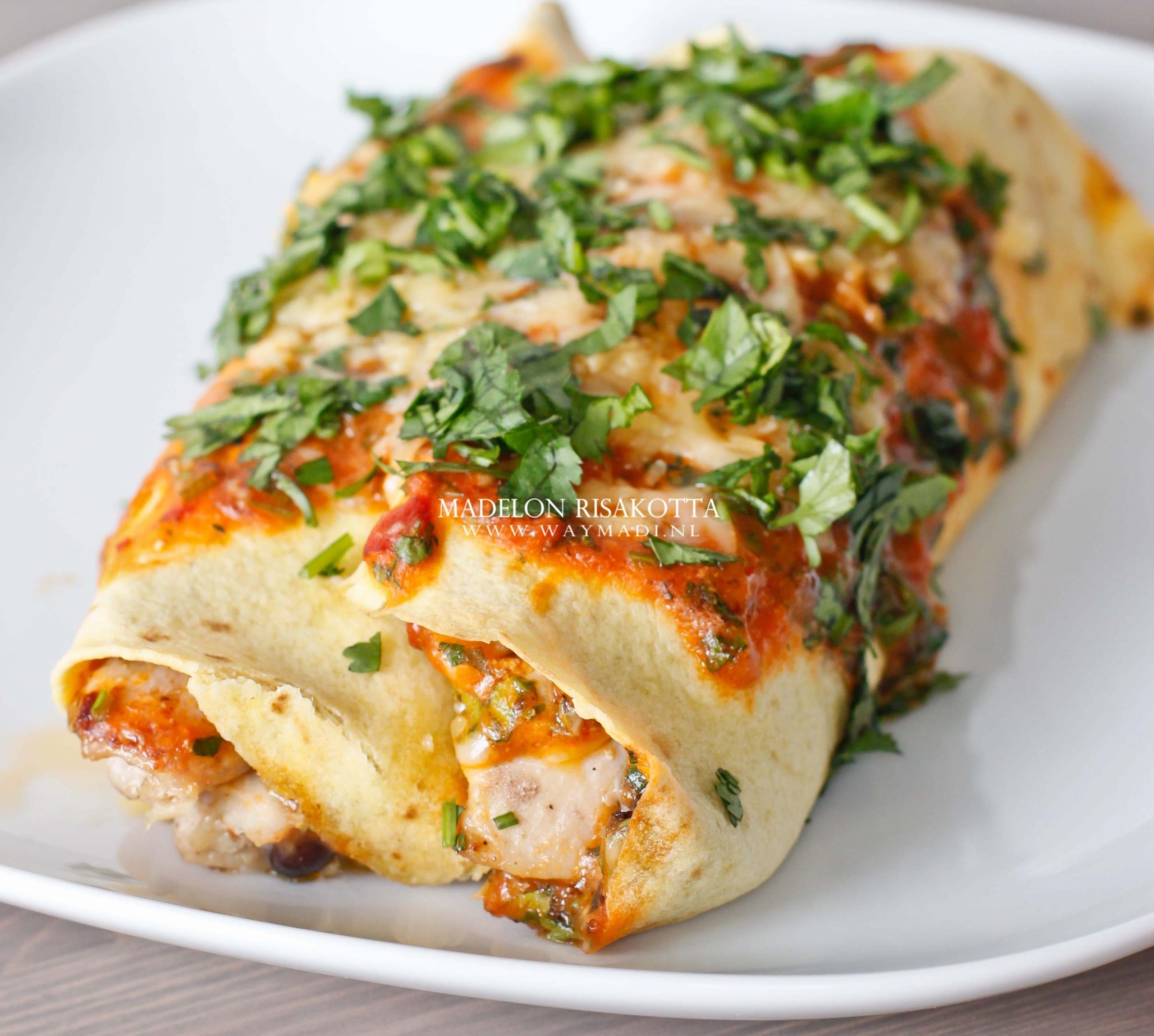 De lekkerste Enchiladas Rojas de Pollo (Enchiladas met rode saus en kip)