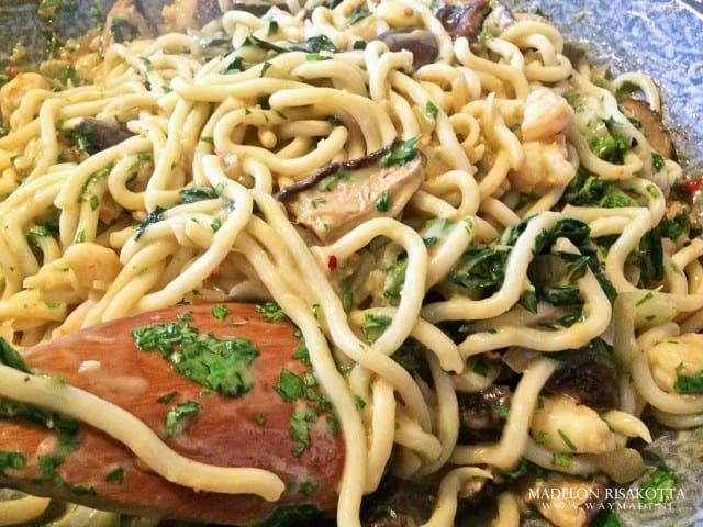Udon noodles tijgergarnalen shii-takes paksoi gember pandan kokossaus-13