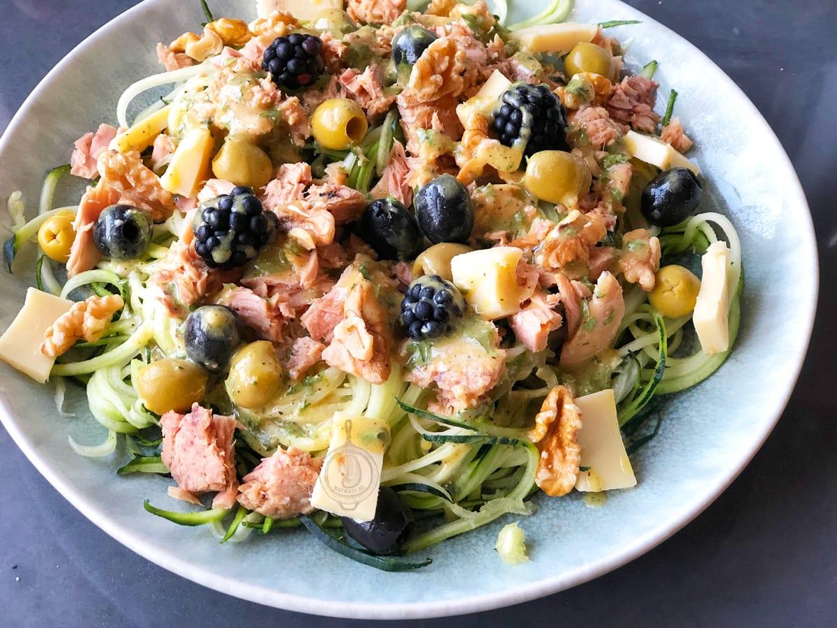 Courgetti tonijn salade met mosterd dressing